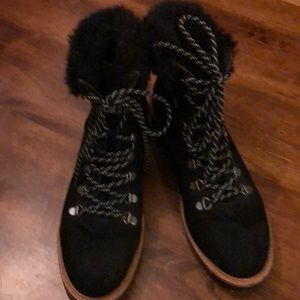 Black report suede boots great condition